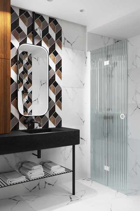 Folding shower screen Forma 303
